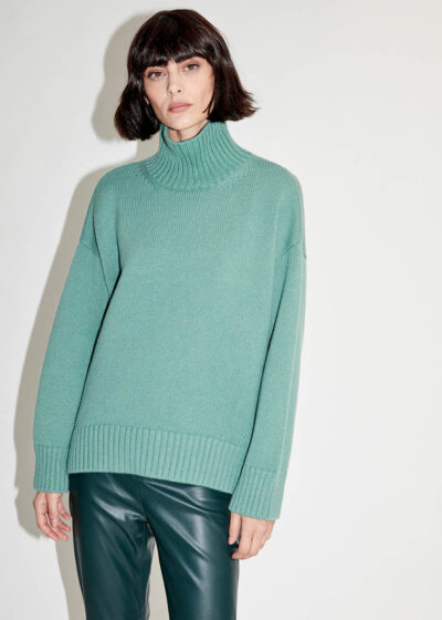 ALYKI - C1099 - Turtlenck sweater rounded and longer in the back - 001