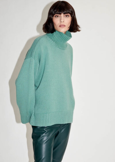 ALYKI - C1099 - Turtlenck sweater rounded and longer in the back - 002