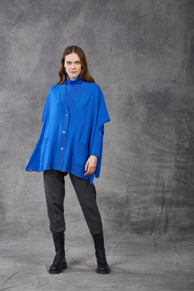 KANGRA WOMAN - W2_A_3511_97 - plain knit cape with  pockets and buttons - 001