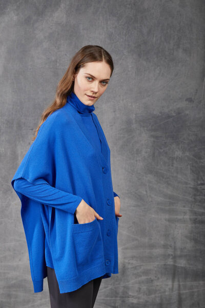 KANGRA WOMAN - W2_A_3511_97 - plain knit cape with  pockets and buttons - 002