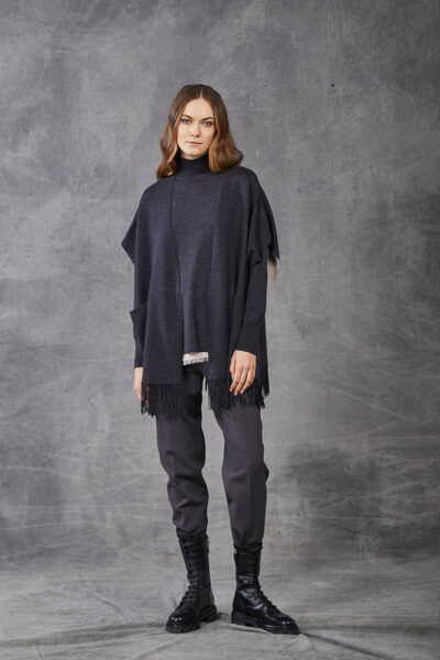 KANGRA WOMAN - W2_A_3965_97 - fringed double cape with pockets - 001