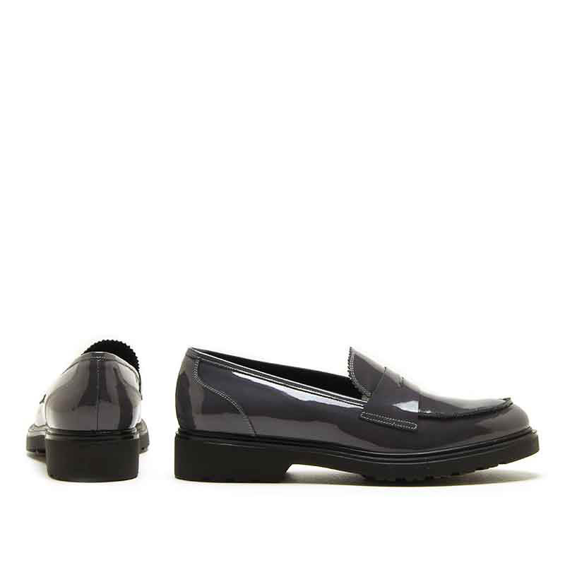 MICHELE LOPRIORE - 1088 - Patent leather loafer - 002
