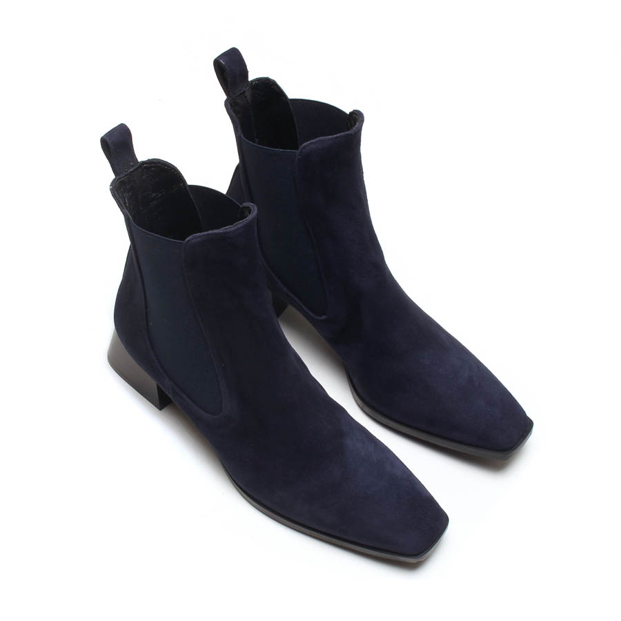 MICHELE LOPRIORE - A45001 - Nappa ankle boots with square end - 002