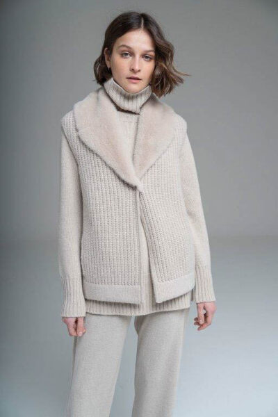 MANZONI 24 - 21M362 - L.Piana cashmere vest with knit and mink collar - 001
