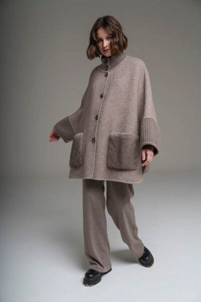 MANZONI 24 - 21M775 - L.Piana cashmere cape with mink pockets and knit - 001